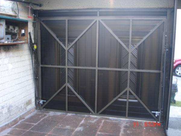 Puntos clave para el mantenimiento de puertas de garaje