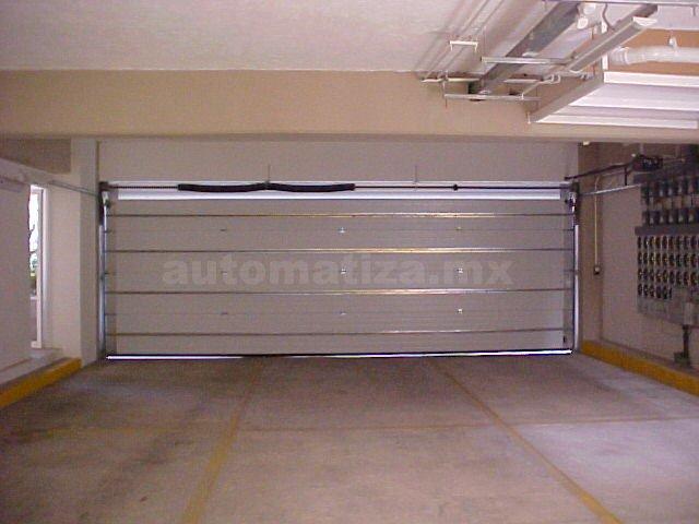 Tipos de puertas automáticas DF para uso industrial