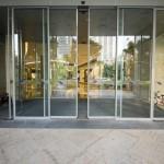 razones-para-elegir-puertas-automaticas-de-cristal