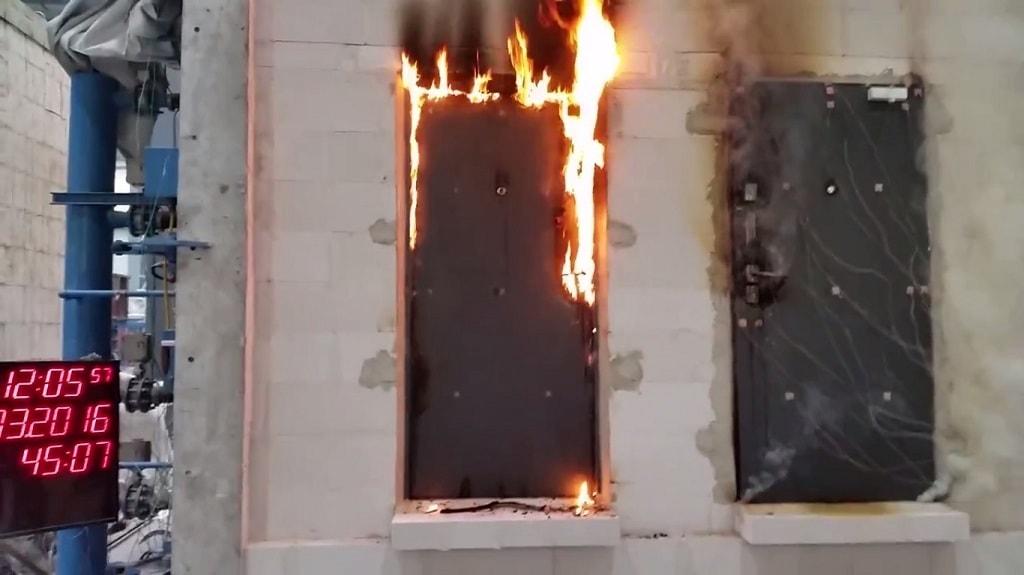 Lo que debes saber antes de adquirir puertas contra incendio