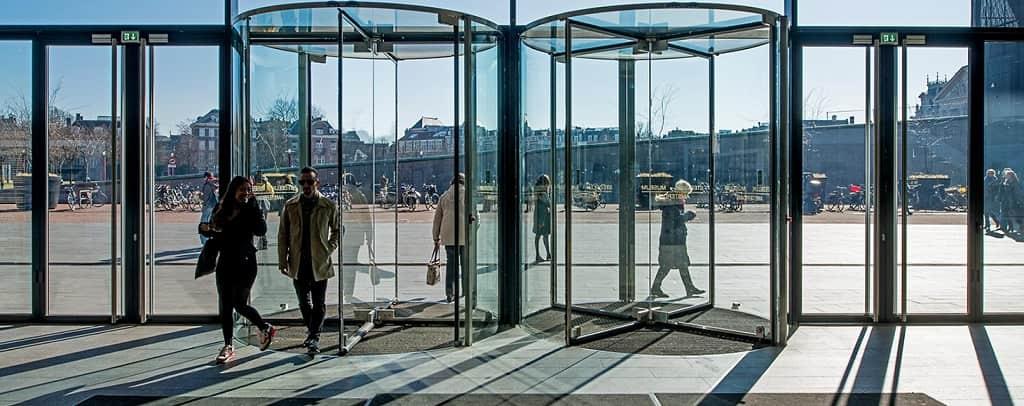 ¿Por qué actualizar su negocio con puertas automáticas? Parte II