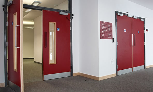 Puertas contra incendio, la medida de prevención que necesitan