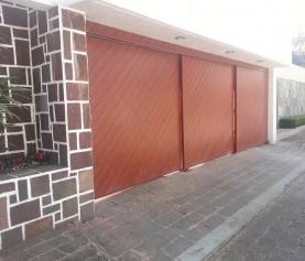 ¿Cómo mantener limpia las puertas de garaje?