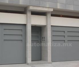 ¿El riel de la puerta de su garaje está alineado?