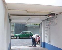 ¿Cómo escoger a la mejor empresa para la instalación de puertas de garaje?