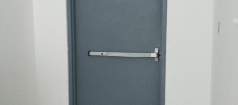 Problemas comunes a evitar al instalar puertas contra incendio