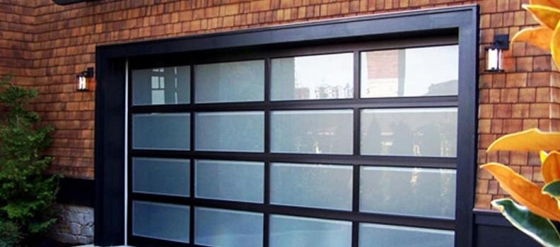 ¿Qué errores se deben evitar al usar puertas de garaje?
