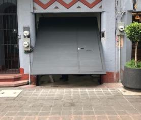 ¿Cómo solucionar problemas frecuentes en puertas de garaje automáticas?