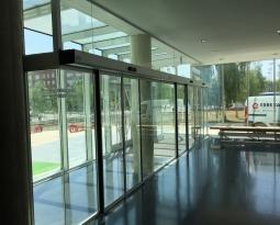 ¿Cómo seleccionar el material de puertas exteriores?